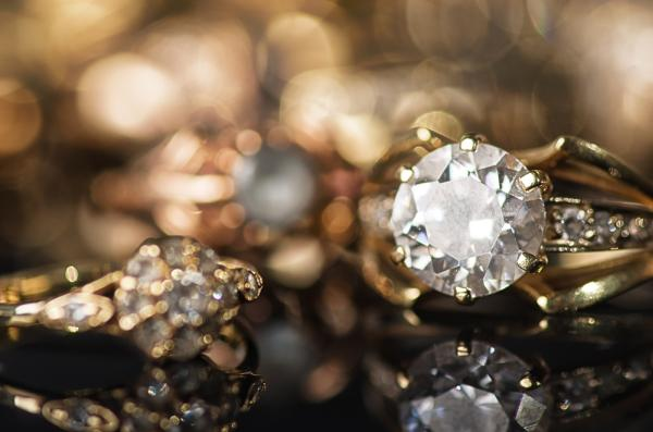 Diamonds are found in a range of colors