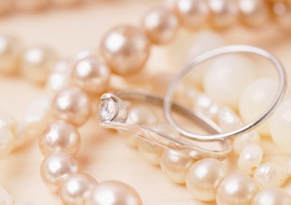 women's costume jewelry rings