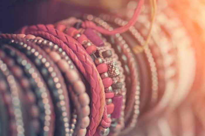 how make bracelets with beads