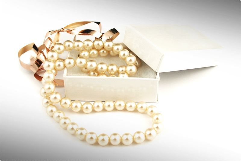 Real Pearl Necklace. Nothing denotes class and elegance, quite like a nice set of pearls. #pearls